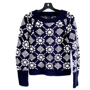 American Eagle hand knit snowflake sweater S